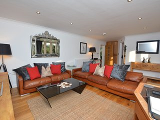 73521 Cottage situated in Shrewsbury (4 Miles E)