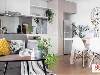 Luxurious & Convenient 2BR Apartment +Parking+Wifi
