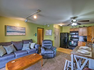 Oak Harbor Condo w/Pool Access & Private Dock