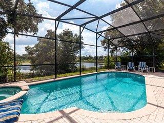 2619DS. Beautiful 5 Bedroom 5 Bath Pool home in Windsor Hills Resort