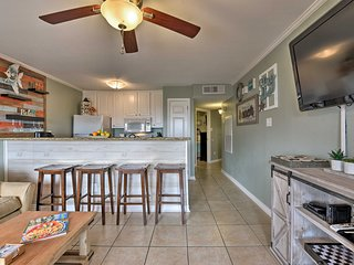 NEW-Galveston Condo w/Pool Access-Steps from Beach