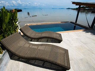 Ocean front Villa with private infinitypool and A/C