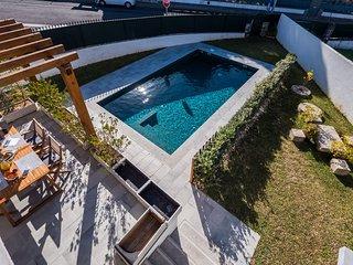 BeGuest Sun & Pool House