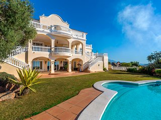 Villa in Marbella Club Golf Resort, Marbella