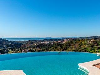Villa in Marbella Club Golf Resort, Marbella