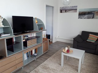 One bedroom flat overlooking Calais fishing port