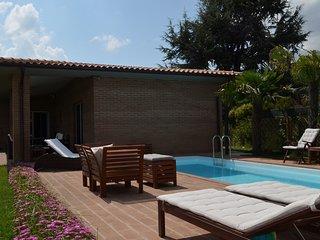 Villa Vittoria villetta moderna con piscina privata in Toscana