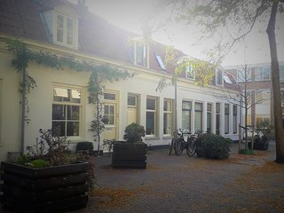 Charming House in Historic Haarlem - includes bicycles!