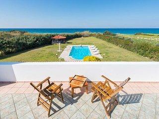 Kalavarda Holiday Home Sleeps 8 with Pool Air Con and WiFi - 5768372