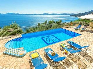 3 bed villa stunning views, 5 min drive to Nissaki
