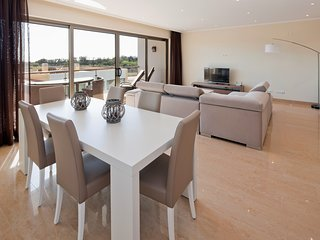 Luxury modern, spacious apartment, with fantastic sea views - Premier n0 44