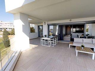 501 - Stunning frontline golf 3 bedroom apartment