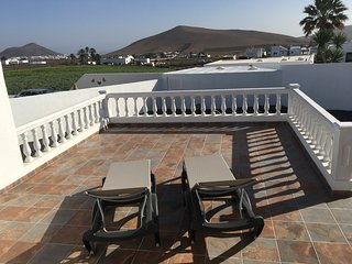 CASA JOANNA WITH GREAT VIEWS - LANZAROTE COUNTRY VILLAS
