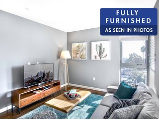 Great views 2BR in Hollywood, w/ Doorman by Blueground