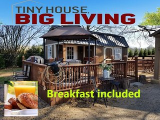 Fabulous Tiny House 'Bed N Breakfast' on Pony Ranch
