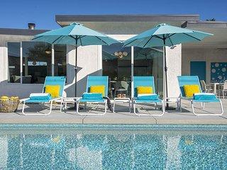 San Antonio Breeze - Gorgeous Palm Springs Designer Pool Home