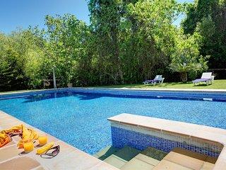 Fuensanta de Martos Villa Sleeps 10 with Pool - 5604476