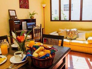 Apartamento La Fuente - Colonial apartment with kitchen in Central Antigua