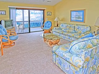 1411 Shipwatch Villas - 3BR Oceanfront Condo in North Topsail Beach with Communi