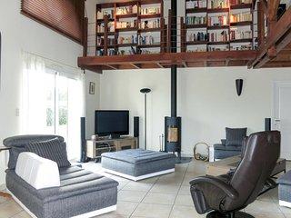 3 bedroom Villa with WiFi - 5768911