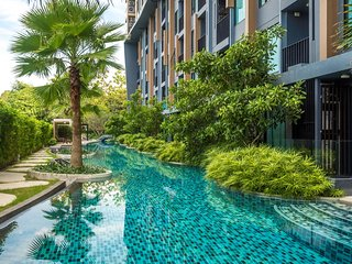 Aristo 216 - Pool access duplex in Surin condo for 4 people