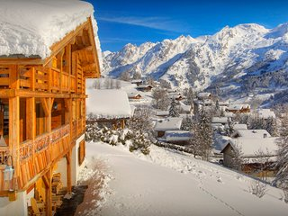 Elegant La Clusaz ski chalet for 10 - great views, terraces - SnowLodge