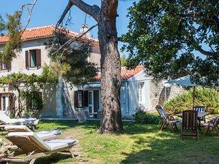 Rustic Villa with Beautiful Garden and Seaview - Adriatic Luxury Villas w111