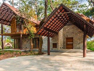 Acacia Villa Two by Vista Rooms