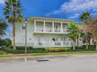 7468ED Golf view Condo On The Exclusive Reunion