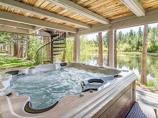 Tahoe Keys, Modern Rustic Home w/ View of Water & Freel Peak