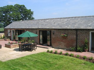 Stennetts Farm Cottages - Chaff House