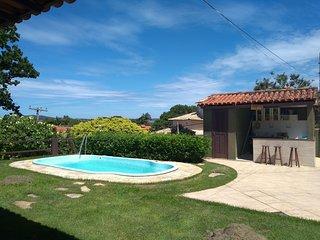 Linda casa com 4 suítes e piscina em Búzios BUZM02