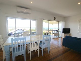 Crescent Head Holiday House 28061