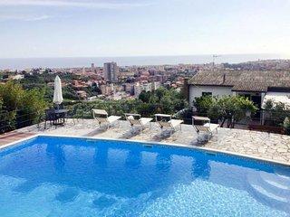 3 bedroom Apartment in Rezza, Liguria, Italy - 5768604