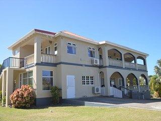 Crimson House Villa - Nevis