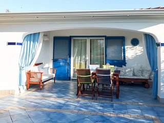 Tanaunella Holiday Home Sleeps 6 with Air Con - 5768643