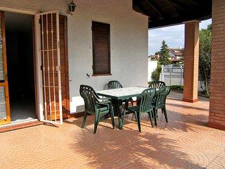 Villa con giardino e patio a 150 mt. dalla spiaggia