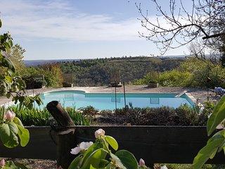 Gite*** Les'Arts Bleu, Chez Tantine, avec piscine, en Occitanie