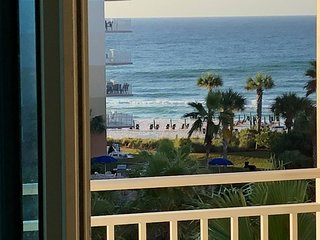 Waterscape Resort 5th Floor B side - Closest 1 Bedroom to the beach -