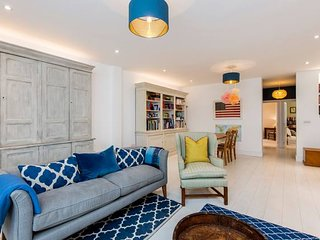 Fantastic, Stylish 2-Bed Battersea Apartment