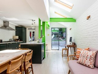 Long Stay Discounts - Beautiful 3Bed Home w Garden