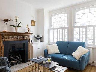 Fabulous 4BR 4Bath House in Fulham W/ Garden + Terrace!