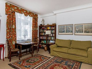 Traditional 1 Bed in Glamorous Chelsea, 5 Mins from Harrods!