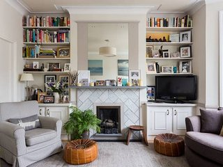 Tasteful, 2 bed family apartment in Battersea
