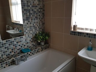 Jaylets Twin Dormer Bedroom 405 with Shared Kitchen, Bathroom & Parking