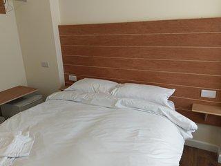 Jaylets Double Bedroom 802 with En-Suite, Shared Kitchen & Parking