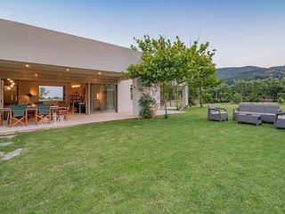 Villa Verano - Spacious 5-bedroom 5-bathroom Villa