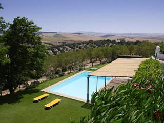 San Jose del Valle Villa Sleeps 12 with Pool Air Con and WiFi - 5604466