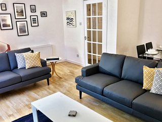 Lansdowne 2 Bedroom Garden Apartment - West End (Kelvinbridge)