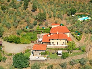 Villa with swimming pool, independent apartments, peaceful, stunning view!